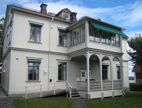 Restaurering av Nora församlingshems administrationsbyggnad/Restoration of the adminstrative building of Nora Parish, Sweden